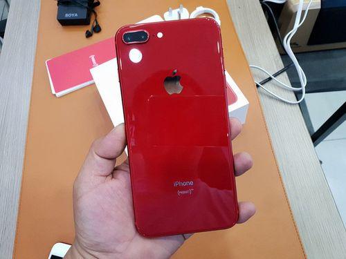 iPhone 8 Plus màu đỏ có giá khởi điểm 23 triệu đồng - Ảnh 1