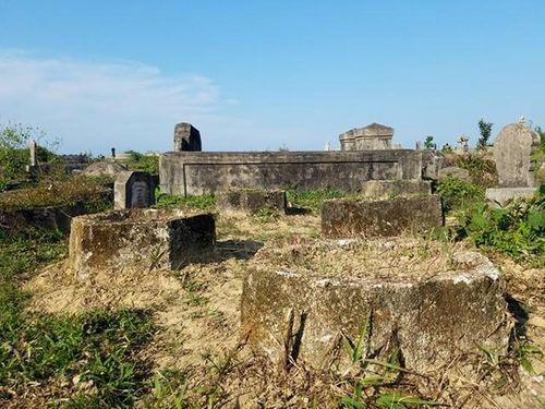Tìm ra nghi phạm phá hoại hơn 20 ngôi mộ ở Huế  - Ảnh 1
