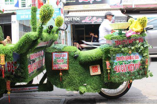 Xe trái cây có wifi, nhạc bolero độc nhất vô nhị ở Sài Gòn - Ảnh 1