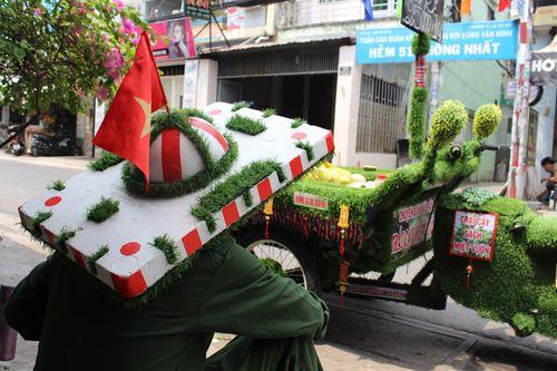 Xe trái cây có wifi, nhạc bolero độc nhất vô nhị ở Sài Gòn - Ảnh 2