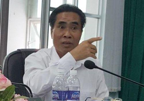Khiển trách bí thư, chủ tịch huyện trong vụ tuyển dư hơn 500 giáo viên - Ảnh 1