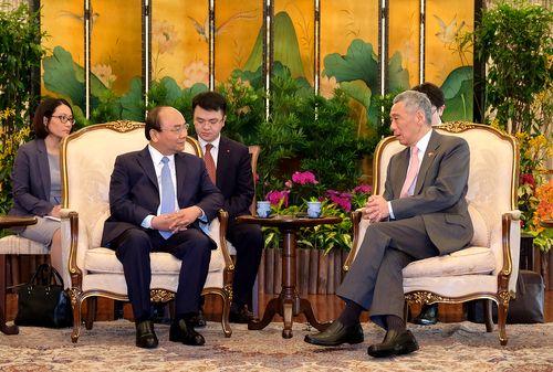 Chuyến thăm chính thức Singapore và dự Hội nghị Cấp cao ASEAN của Thủ tướng thành công tốt đẹp - Ảnh 1