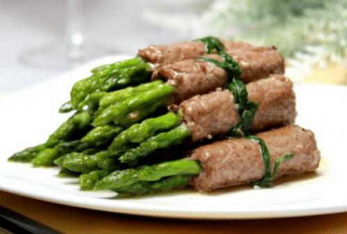 Bữa trưa ngon cơm với món thịt bò cuốn măng tây  - Ảnh 5