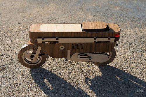 Xe máy siêu độc làm từ gỗ giá chỉ 159 nghìn đồng có gì đặc biệt?  - Ảnh 2