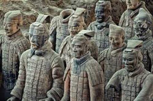 Ẩn số vũ khí của đội quân đất nung trong lăng mộ Tần Thủy Hoàng  - Ảnh 2