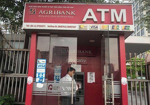 Agribank tăng phí dịch vụ khách hàng - Ảnh 1