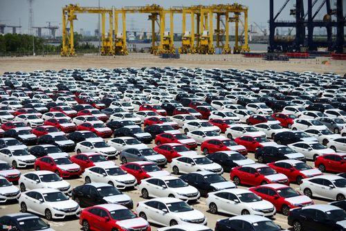 Tại sao nhiều mẫu ô tô đồng loạt tăng giá trong tháng 5?  - Ảnh 1