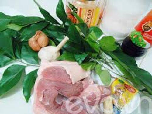 Bí quyết làm món thịt ba chỉ cuốn lá chanh thơm lừng cho bữa tối vui vẻ - Ảnh 1
