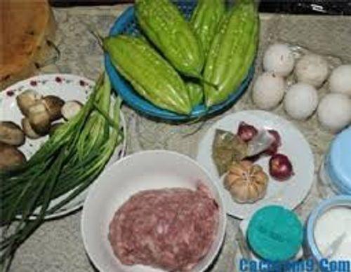 Cách nấu canh mướp đắng nhồi thịt đơn giản giải nhiệt mùa hè - Ảnh 1