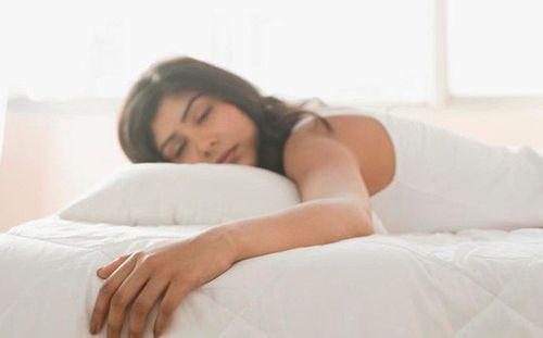 Ngủ quá nhiều làm tăng nguy cơ chết sớm - Ảnh 1