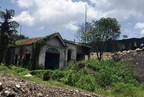 Quảng Ninh: Hoảng hốt phát hiện thi thể phân huỷ trong nhà hoang - Ảnh 1
