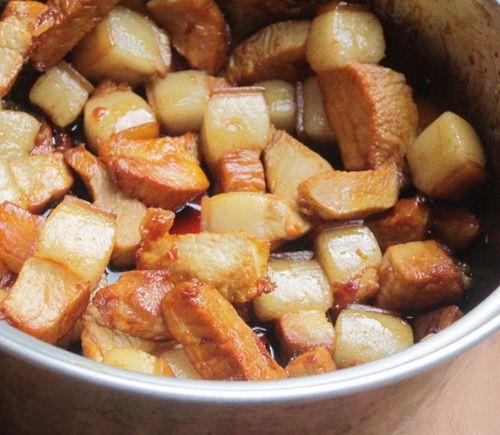 Cách làm thịt kho trứng đơn giản mà đưa cơm bữa tối - Ảnh 4