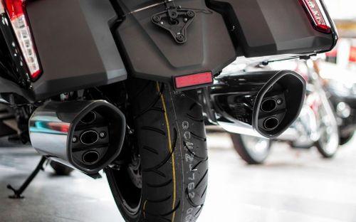 """""""Phi thuyền trên cạn"""" BMW K1600B đắt hơn Camry Việt Nam - Ảnh 3"""