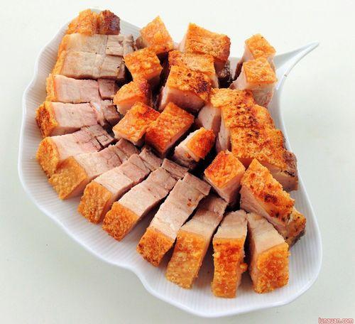 Cách làm thịt quay giòn bì không cần lò nướng - Ảnh 4