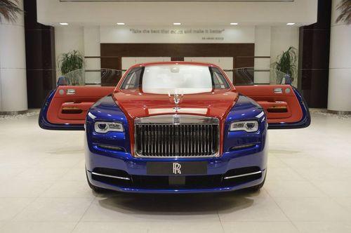 Chiêm ngưỡng siêu phẩm Rolls-Royce Wraith với hai tông màu xanh - đỏ vô cùng đặc biệt  - Ảnh 1