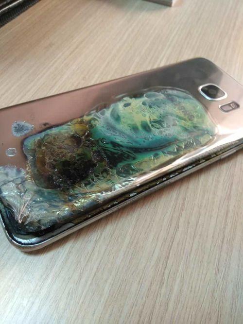 Galaxy S7 Edge bất ngờ bốc cháy,  khách hàng được đền Galaxy S9 - Ảnh 2