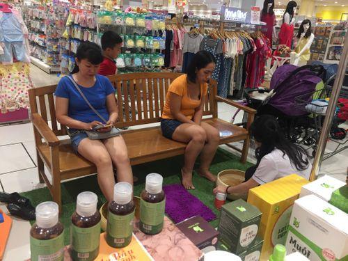 Trải nghiệm với muối thảo dược Bảo Nhiên tại AEON MALL Tân Phú - Ảnh 3
