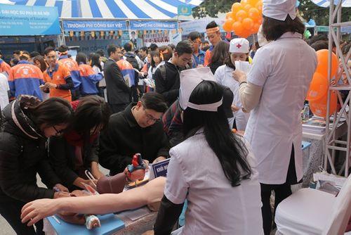 Ngày hội Tư vấn tuyển sinh 2018 thu hút hàng nghìn học sinh tham dự - Ảnh 4