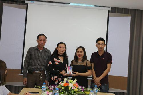 Đông Y Dung Hà – Trao giải thưởng giá trị cho khách hàng trong chương trình tri ân - Ảnh 1