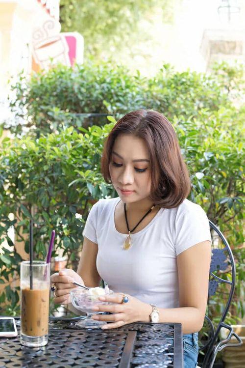 NTK Lê Phạm: Bên ly cà phê, cảm nếm cuộc đời - Ảnh 1