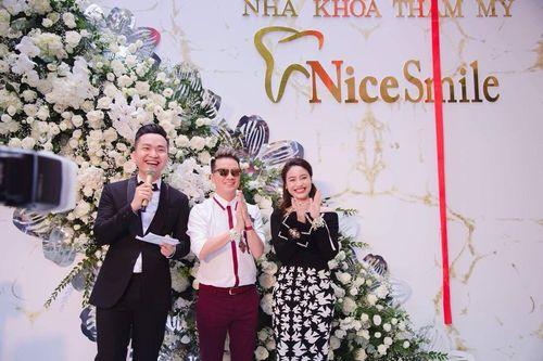 """Bí mật đằng sau nụ cười """"toả nắng"""" của dàn sao Showbiz Việt - Ảnh 6"""