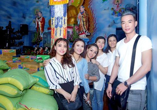 Mừng đại lễ Phật Đản: Đêm nhạc thiện nguyện tại chùa Huyền Trang - Ảnh 3