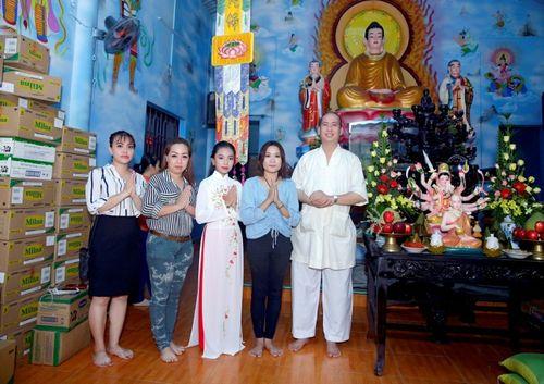 Mừng đại lễ Phật Đản: Đêm nhạc thiện nguyện tại chùa Huyền Trang - Ảnh 2