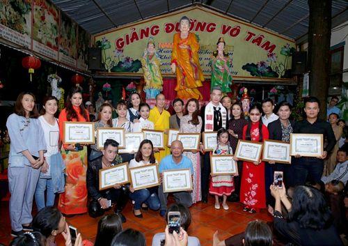 Mừng đại lễ Phật Đản: Đêm nhạc thiện nguyện tại chùa Huyền Trang - Ảnh 7