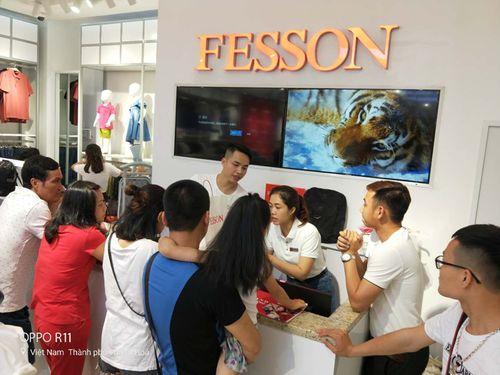 """Thời trang Fesson tạo cơn sốt """"người"""" trong ngày khai trương - Ảnh 3"""