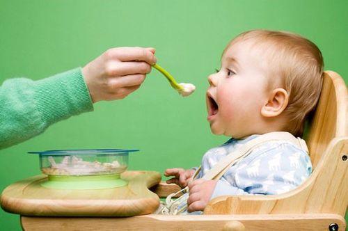 3 giai đoạn trẻ dễ bị mắc táo bón nhất và cách phòng ngừa hiệu quả - Ảnh 1