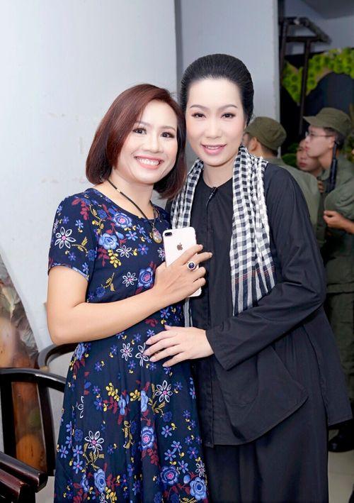 Giám đốc công ty truyền thông Lê Phạm đến chia vui cùng nghệ sĩ Trịnh Kim Chi - Ảnh 6