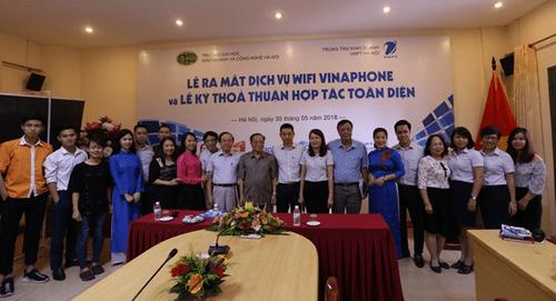 Lễ ra mắt dịch vụ Wifi Vinaphone và Lễ ký thỏa thuận hợp tác giữa VNPT và ĐH Kinh doanh & Công nghệ Hà Nội - Ảnh 1