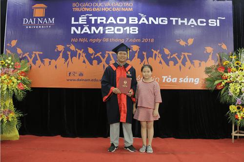 Đại học Đại Nam: Những cái nhất trong lễ trao bằng tốt nghiệp cao học khóa 4 - Ảnh 13