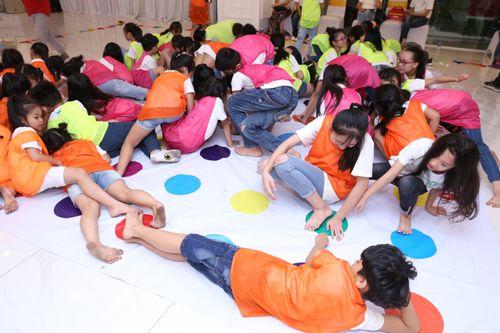 Teambuilding bùng nổ bữa tiệc sôi động và đầy màu sắc của các thí sinh Cuộc thi Tìm Kiếm Thiên Tài Nhí 2018 - Ảnh 7