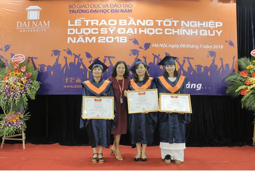Lời chia sẻ gan ruột của thầy Chủ tịch Đại học Đại Nam với tân dược sĩ đại học trong lễ nhận bằng tốt nghiệp - Ảnh 8