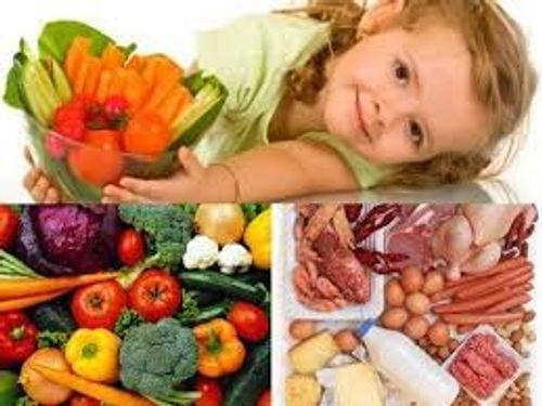 Quan niệm sai lầm về dinh dưỡng cho con hầu như mẹ nào cũng mắc phải - Ảnh 1