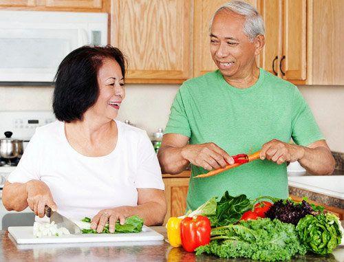 Những nguyên nhân phổ biến gây táo bón ở người lớn tuổi - Ảnh 2