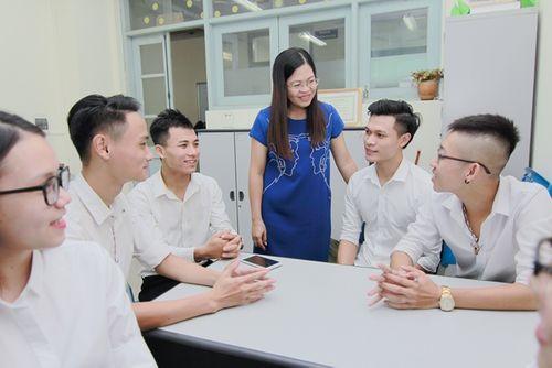 Tỷ lệ sinh viên có việc làm ngành quan hệ công chúng tăng cao - Ảnh 2