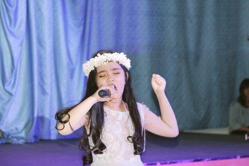 Ấn tượng giọng hát Việt nhí đầy nội lực - Jennifer Thiên Nga - Ảnh 1