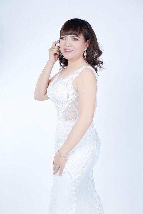 Á khôi Hồ Thị Thanh Hương lộng lẫy trong vai trò giám khảo chung kết cuộc thi Tìm Kiếm Thiên Tài Nhí 2018 - Ảnh 4