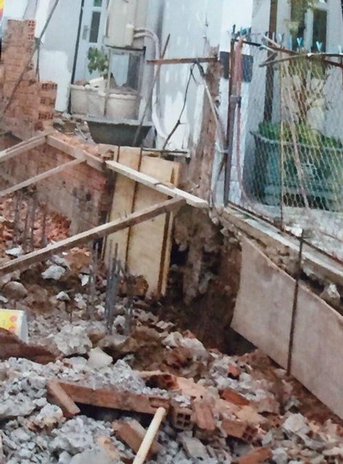 Khởi kiện hàng xóm vì xây nhà không đảm bảo an toàn - Ảnh 2