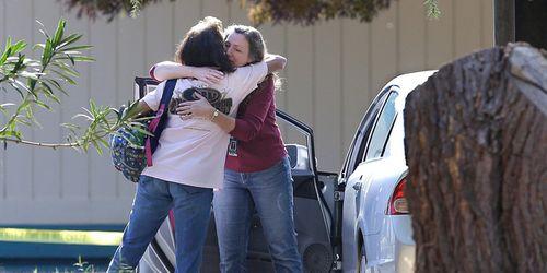 Hiện trường vụ xả súng ở trường học Mỹ, khiến ít nhất 5 người thiệt mạng  - Ảnh 6