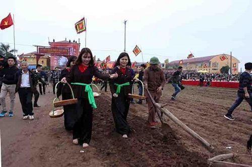"""Chùm ảnh: Lễ Tịch Điền """"Vua đi cày"""" tại Hà Nam - Ảnh 18"""