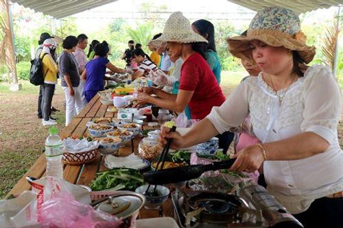 Chùm ảnh: Lễ hội Cầu Bông tại làng rau Trà Quế - Ảnh 12