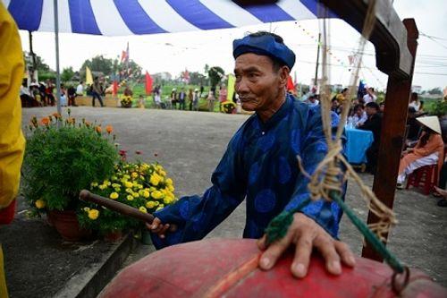 Chùm ảnh: Lễ hội Cầu Bông tại làng rau Trà Quế - Ảnh 2