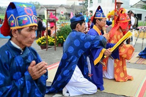 Chùm ảnh: Lễ hội Cầu Bông tại làng rau Trà Quế - Ảnh 5