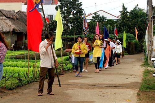 Chùm ảnh: Lễ hội Cầu Bông tại làng rau Trà Quế - Ảnh 7