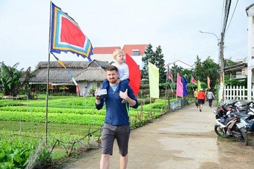Chùm ảnh: Lễ hội Cầu Bông tại làng rau Trà Quế - Ảnh 18
