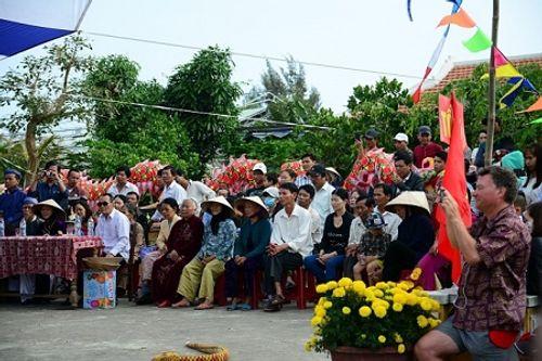Chùm ảnh: Lễ hội Cầu Bông tại làng rau Trà Quế - Ảnh 19
