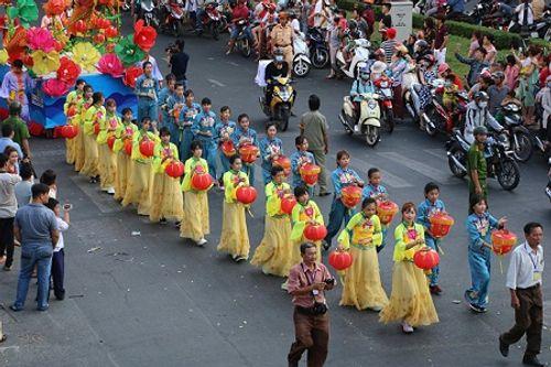 Chùm ảnh: Độc đáo Lễ hội Tết Nguyên tiêu của người Hoa ở TP. HCM - Ảnh 15